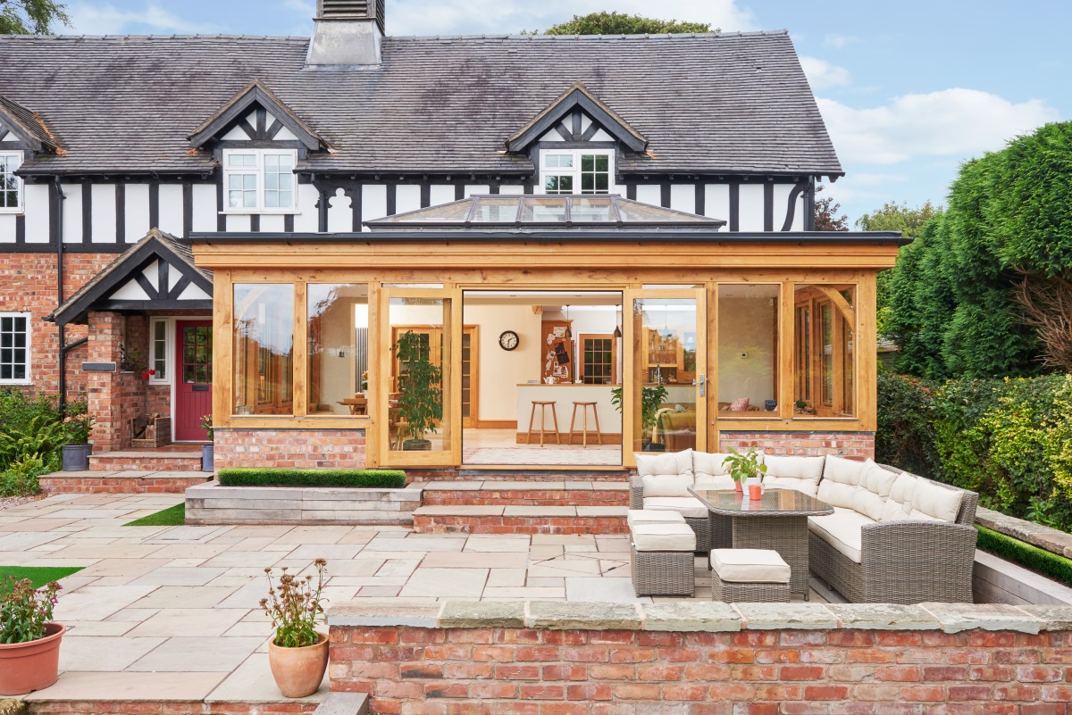 5 Benefits of Building an Oak Framed Orangery